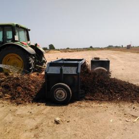 Formación de la pila de compostaje/ Pile composting conforming - Jul 16