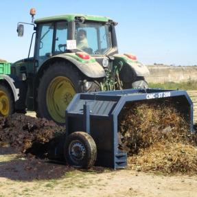 Formación de la pila de compostaje / Pile compost conforming